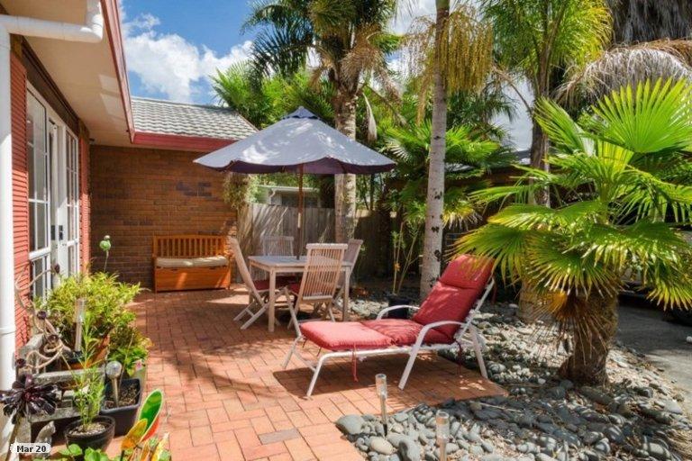 Photo of property in 45 Waimoko Glen, Swanson, Auckland, 0612