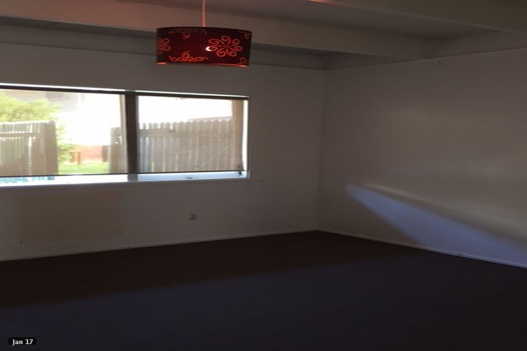 Property photo for 5/15 Valron Road, Te Atatu South, Auckland, 0602