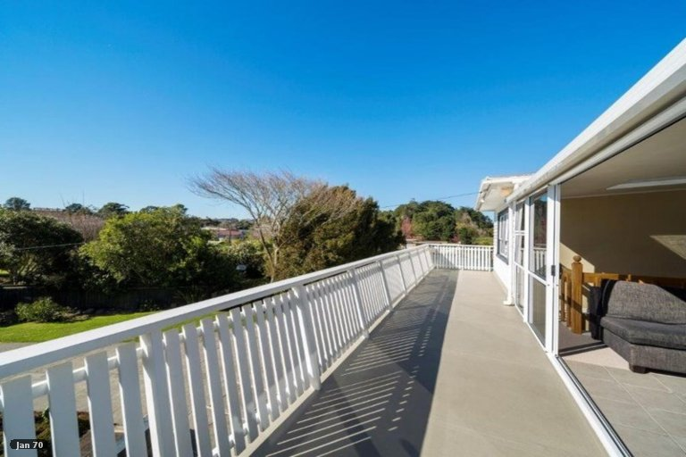 Photo of property in 7 Lambton Terrace, Welbourn, New Plymouth, 4312