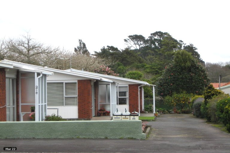 Photo of property in 3/214 Coronation Avenue, Welbourn, New Plymouth, 4310