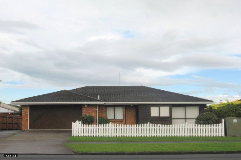 Property photo for 1/81 Aviemore Drive, Highland Park, Auckland, 2010
