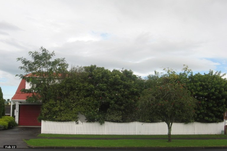 Property photo for 1/83 Aviemore Drive, Highland Park, Auckland, 2010