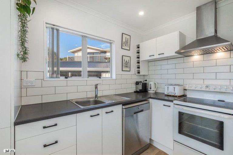 Photo of property in 3 Carvel Lane, Whitby, Porirua, 5024