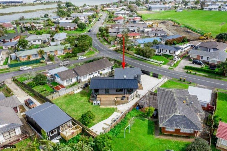 Property photo for 147 Edgewater Drive, Pakuranga, Auckland, 2010