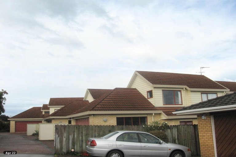 Property photo for 3/97 Aviemore Drive, Highland Park, Auckland, 2010