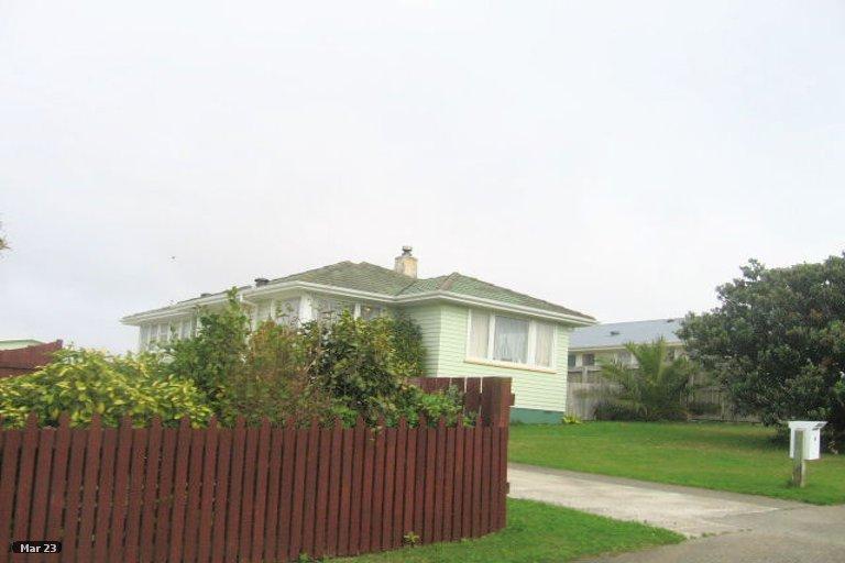 Photo of property in 13 Caduceus Place, Ascot Park, Porirua, 5024