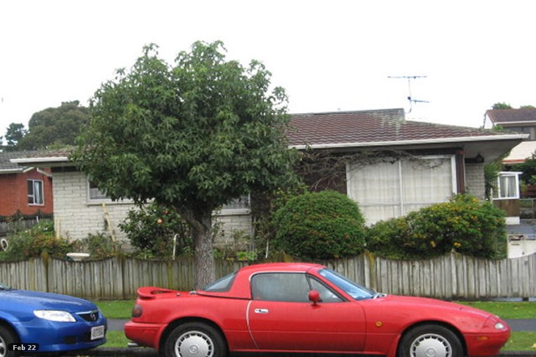 Photo of property in 1/5 Ballater Place, Highland Park, Auckland, 2010