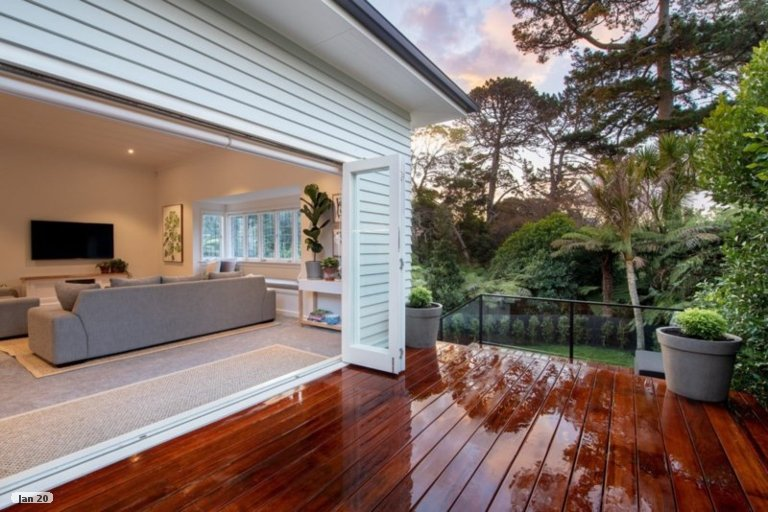 Property photo for 33 Outlook Road, Greenhithe, Auckland, 0632