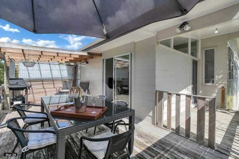 Property photo for 10 Regency Place, Sunnynook, Auckland, 0632