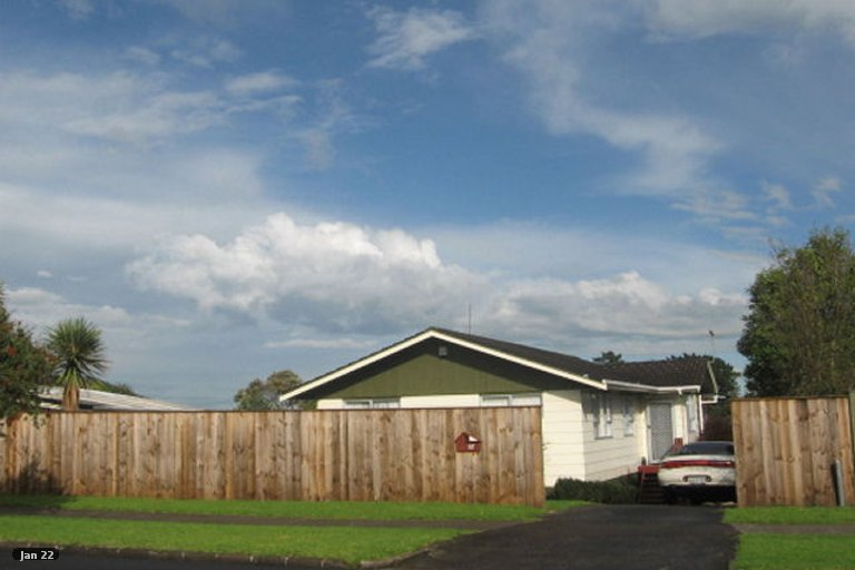 Photo of property in 117 Aviemore Drive, Highland Park, Auckland, 2010