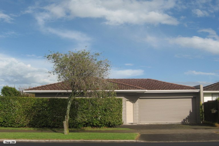 Property photo for 135 Aviemore Drive, Highland Park, Auckland, 2010