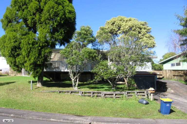 Property photo for 28 Onedin Place, Titirangi, Auckland, 0604