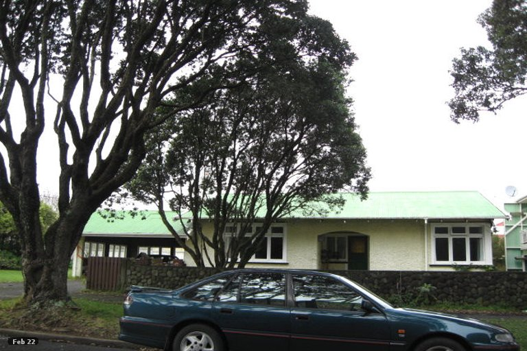 Photo of property in 2 Wakefield Street, Welbourn, New Plymouth, 4310