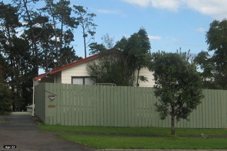 Property photo for 2/151 Aviemore Drive, Highland Park, Auckland, 2010