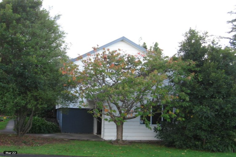 Property photo for 14 Gosford Drive, Botany Downs, Auckland, 2010