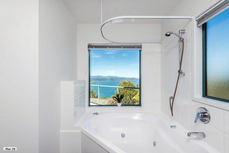 Property photo for 44 Dress Circle, Newlands, Wellington, 6037