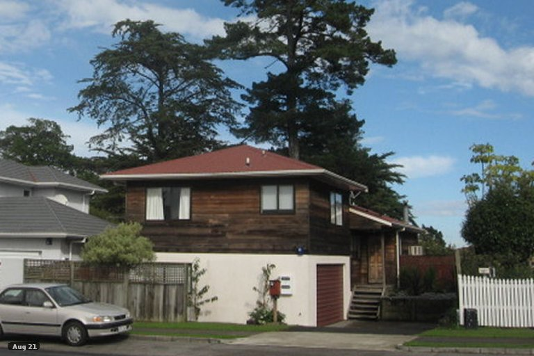 Property photo for 2/161 Aviemore Drive, Highland Park, Auckland, 2010