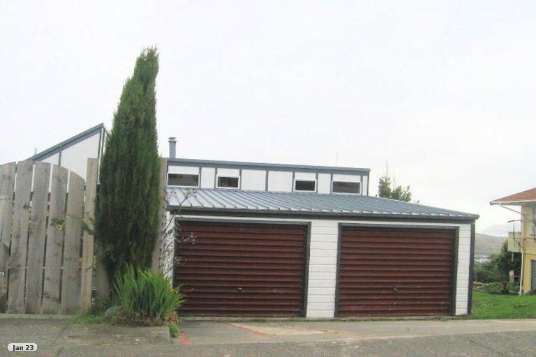Photo of property in 110 Conclusion Street, Ascot Park, Porirua, 5024