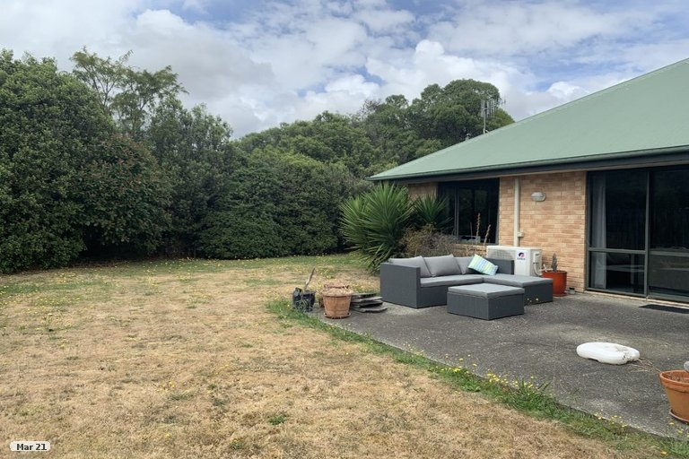 Photo of property in 16 Hoult Crescent, Monaco, Nelson, 7011