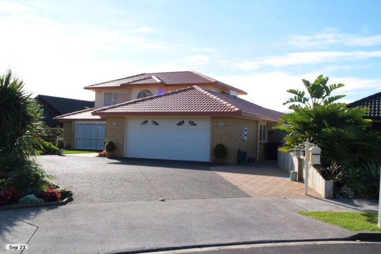 Property photo for 26 Yarlside Place, Northpark, Auckland, 2013