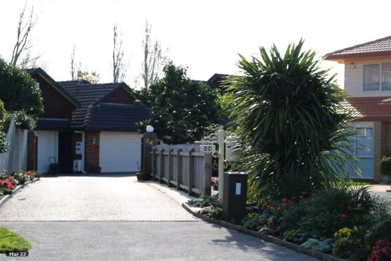 Property photo for 24 Yarlside Place, Northpark, Auckland, 2013