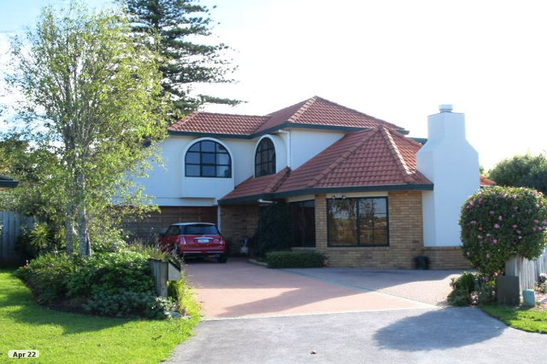 Property photo for 22 Yarlside Place, Northpark, Auckland, 2013