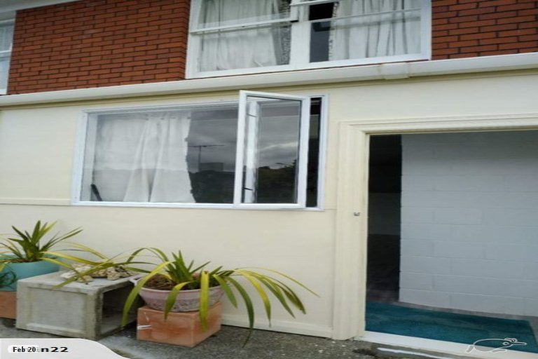 Property photo for 2/22 Wykeham Place, Glenfield, Auckland, 0629