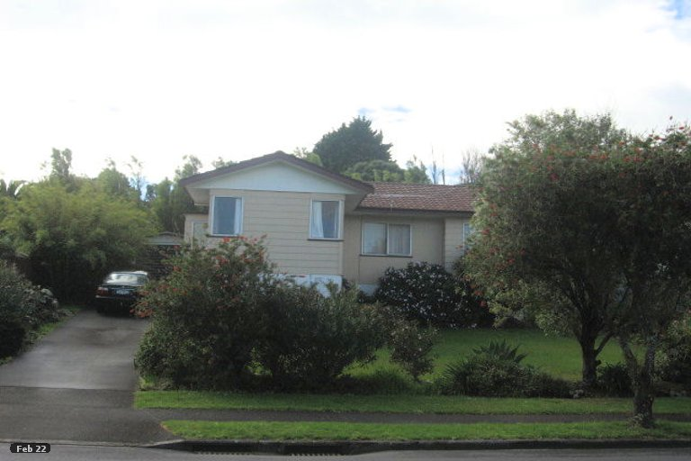 Property photo for 142 Aviemore Drive, Highland Park, Auckland, 2010