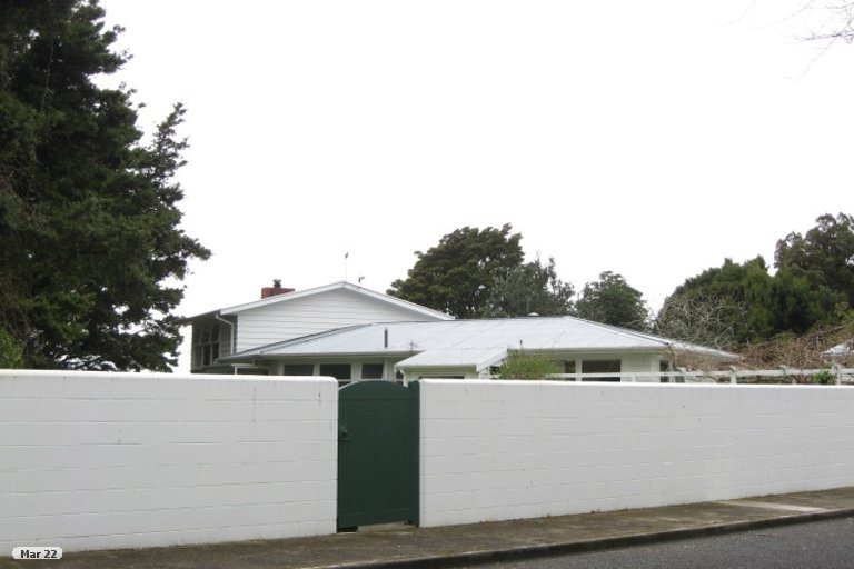 Photo of property in 17 Frank Wilson Terrace, Welbourn, New Plymouth, 4312