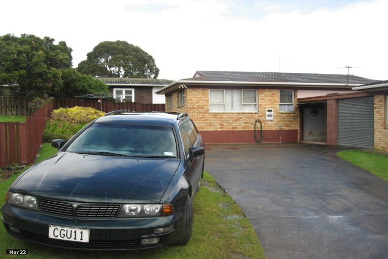 Property photo for 2/15 Ballater Place, Highland Park, Auckland, 2010