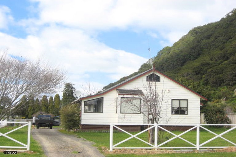 Property photo for 1 Pioneer Place, Matata, 3194