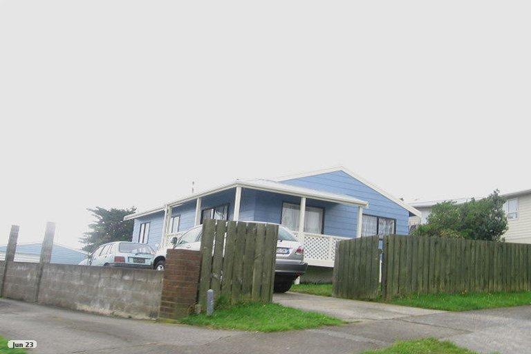 Photo of property in 100 Conclusion Street, Ascot Park, Porirua, 5024