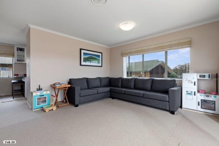 Photo of property in 8 Adelphi Place, Albany, Auckland, 0632