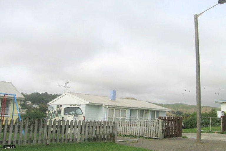 Photo of property in 9 Beauzami Crescent, Ascot Park, Porirua, 5024