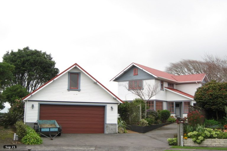 Photo of property in 42A Frank Wilson Terrace, Welbourn, New Plymouth, 4312