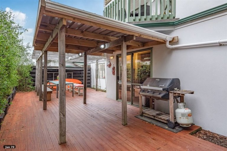 Property photo for 2/770 Beach Road, Browns Bay, Auckland, 0630