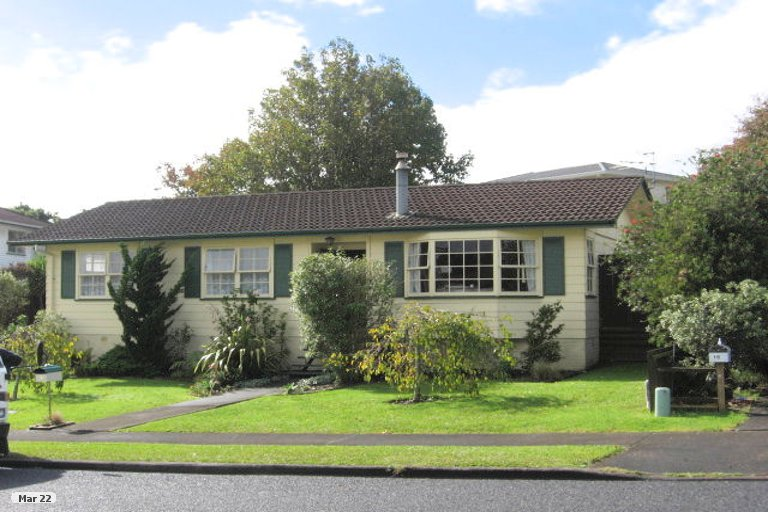 Property photo for 14 Cairngorm Place, Highland Park, Auckland, 2010