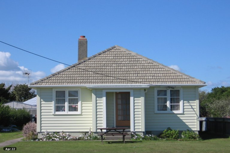 Photo of property in 4 Easton Street, Foxton, 4814