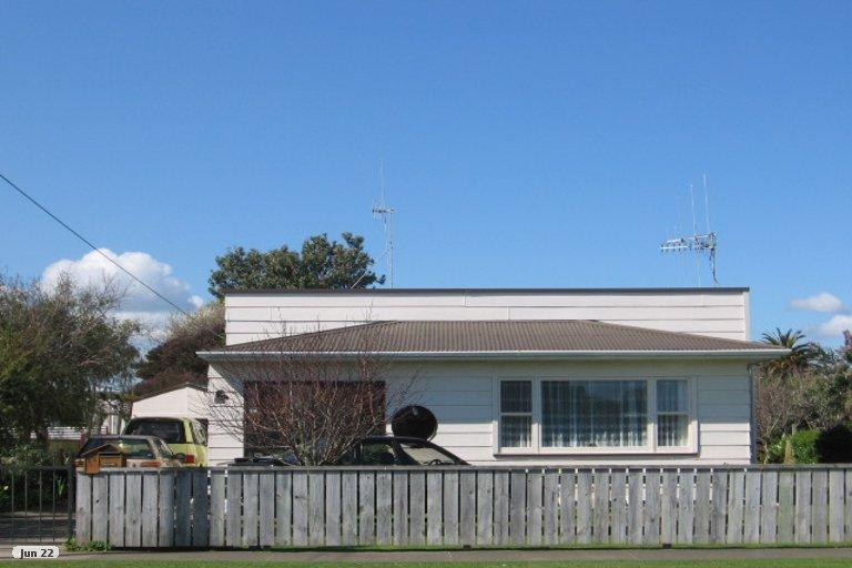 Photo of property in 12 Easton Street, Foxton, 4814