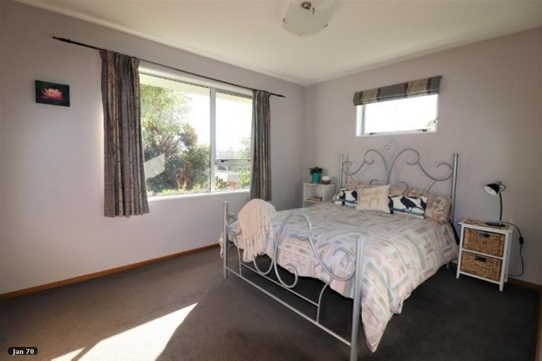 Property photo for 1 Birdling Place, Halswell, Christchurch, 8025