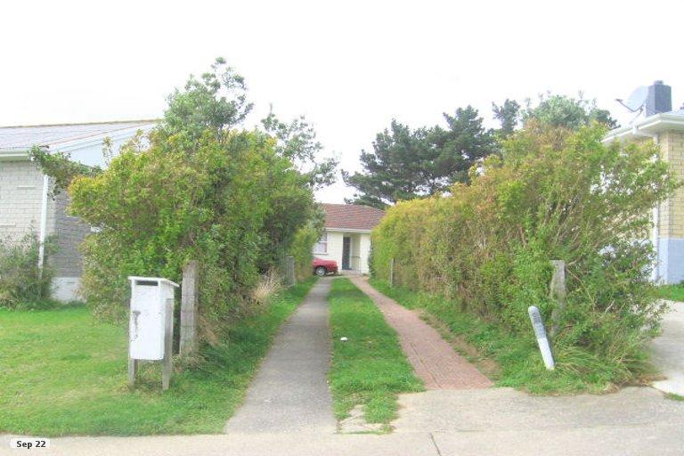 Photo of property in 5 Sasanof View, Ascot Park, Porirua, 5024