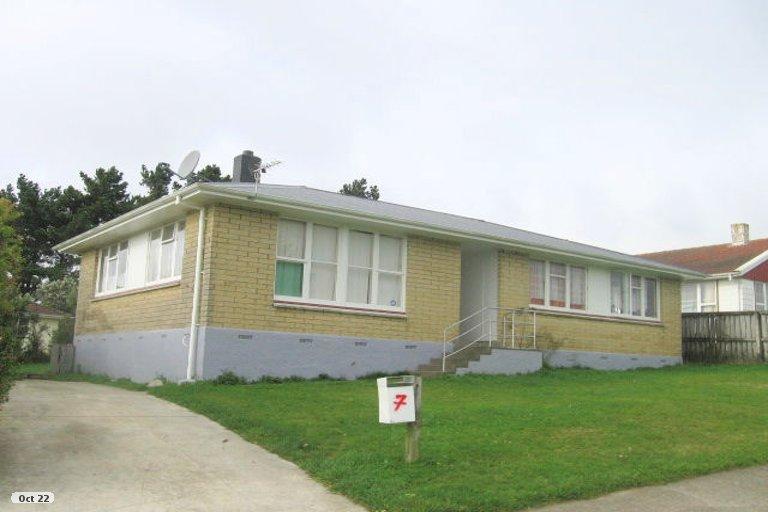 Photo of property in 7 Sasanof View, Ascot Park, Porirua, 5024