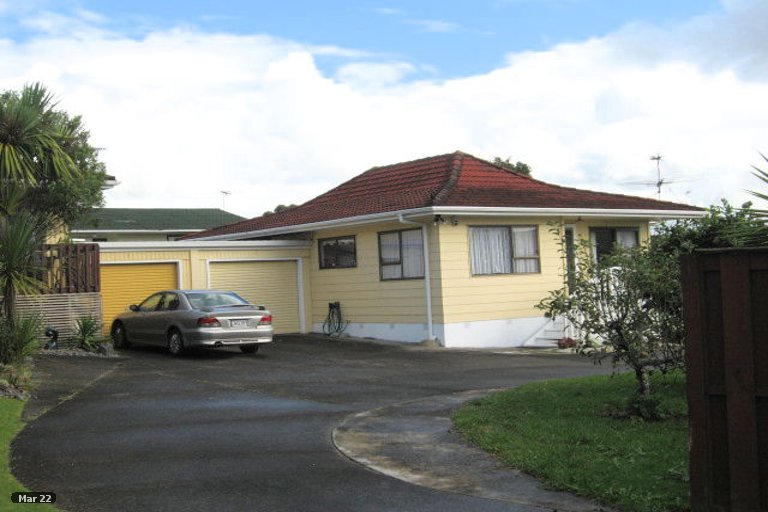 Property photo for 2/5 Cairngorm Place, Highland Park, Auckland, 2010