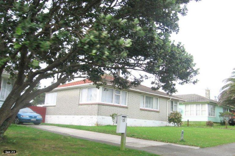 Photo of property in 15 Sasanof View, Ascot Park, Porirua, 5024