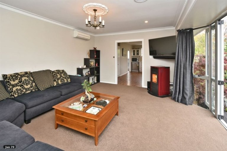 Property photo for 14 Cob Crescent, Woolston, Christchurch, 8062
