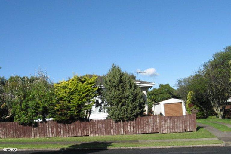 Property photo for 25 Highland Park Drive, Highland Park, Auckland, 2010