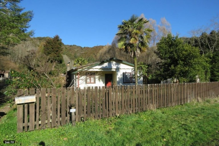 Property photo for 58 Trennery Street, Blacks Point, Reefton, 7830
